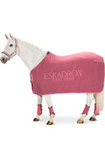 2021 Eskadron Fleece Stamp Sweat Rug 111270 - Rouge
